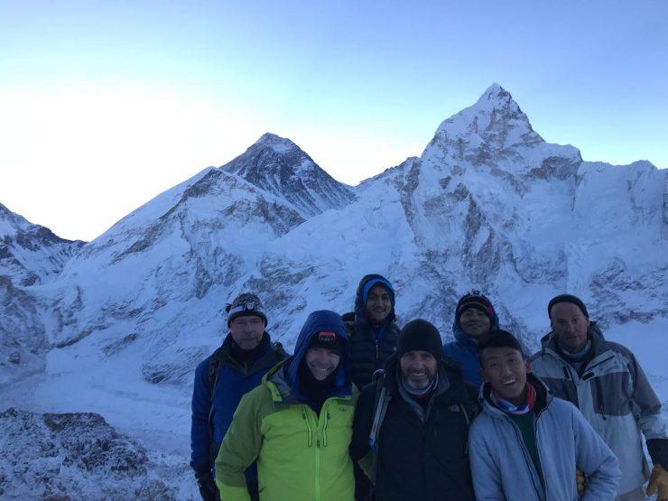 trekking Kala Patthar - sunrise over Everest
